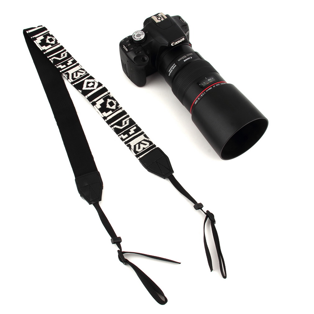 how to wear a camera shoulder strap