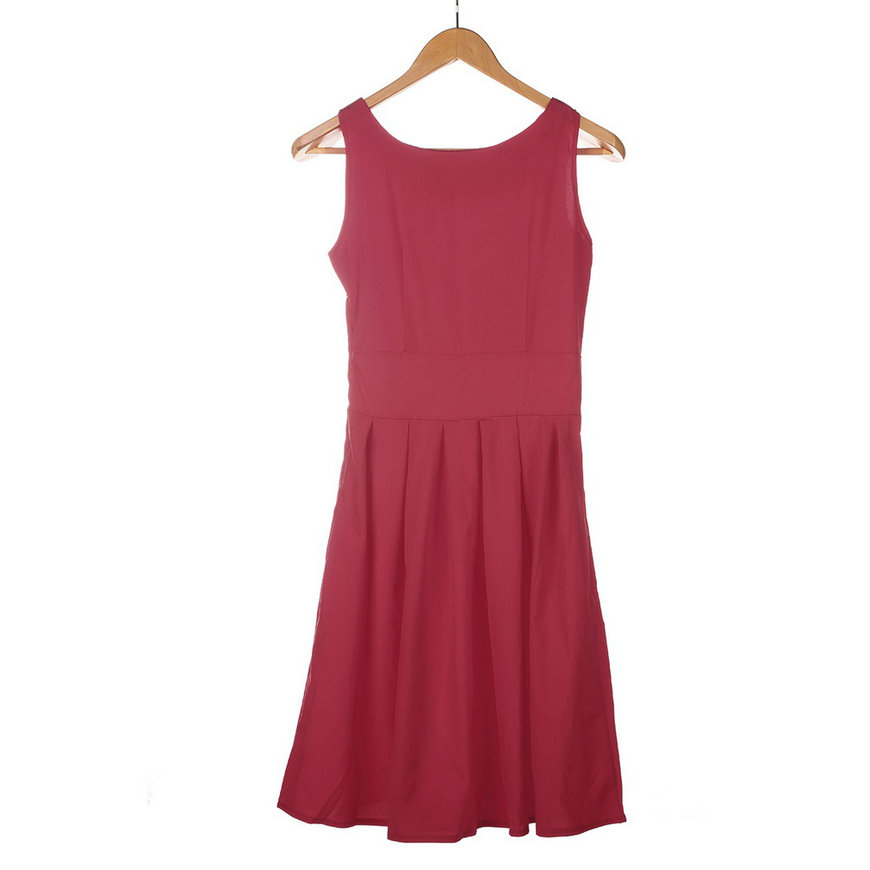 Buy the latest women's Swing dresses online at low price. StyleWe offers cheap dresses in red, black, white and more for different occasions.